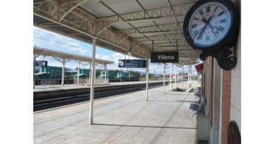 ADIF formaliza el contrato para la instalación de dos ascensores y mejora de la accesibilidad de la estación de Villena