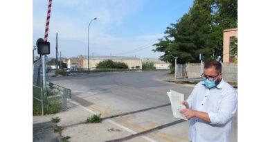 La calle Rosalía de Castro se convertirá en un bulevar con  dos rotondas y pasos subterráneos peatonal y de vehículos en su trazado para eliminar el cruce ferroviario