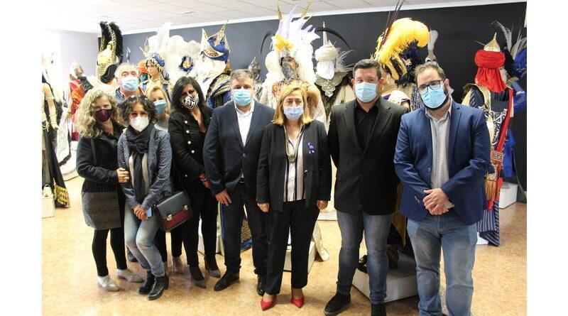 Ayuntamiento y Subdelegación se reúnen con empresarios de la industria de la artesanía de fiestas para reivindicar ayudas específicas para el sector